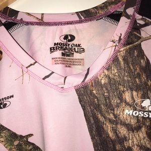 🍁 🎁 4 women's camo shirts for $25 present 🍁